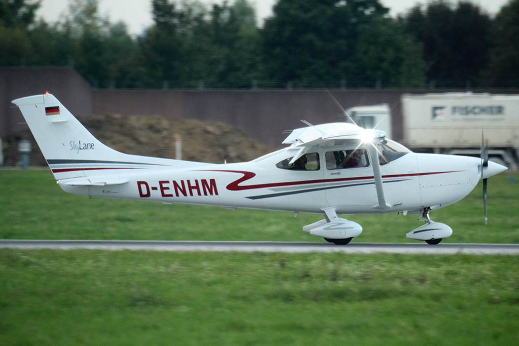 071102__D-ENHM Private Cessna 182 Skylane_STR_20131003__0703.jpg