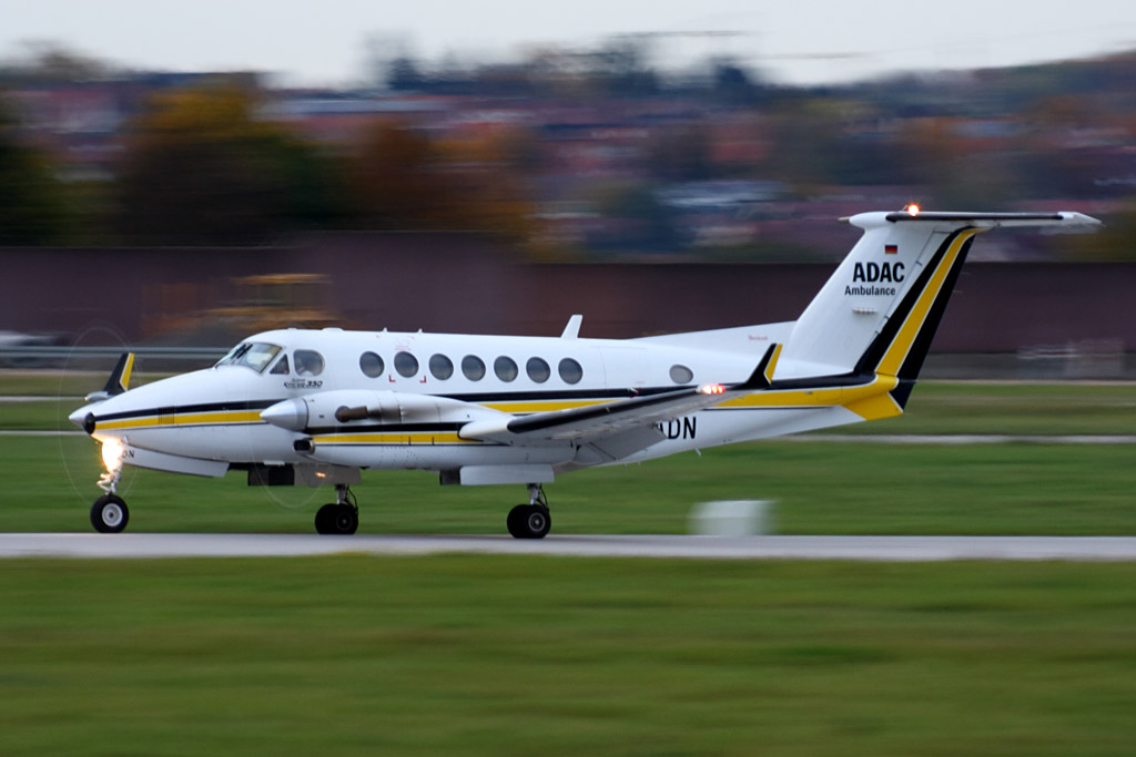 071102__D-CADN ADAC Ambulance (Aero-Dienst) Beech B300 Super King Air 350_STR_20131023__7217.jpg