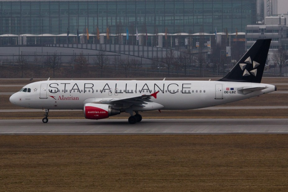 Austrian Airlines Airbus A320-214 - OE-LBZ - Star Alliance