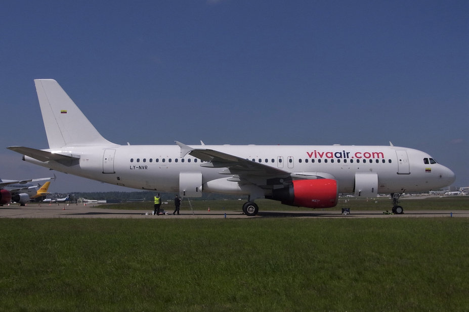 LY-NVR     A320      (ex HK-5125)