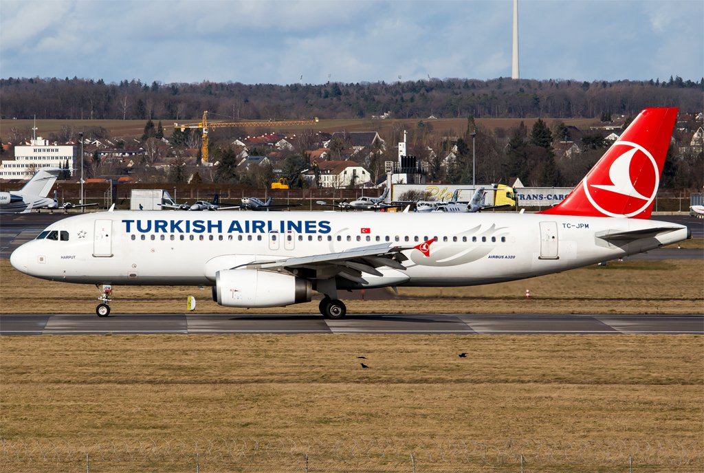 Turkish Airlines / TC-JPM / Airbus A320-232