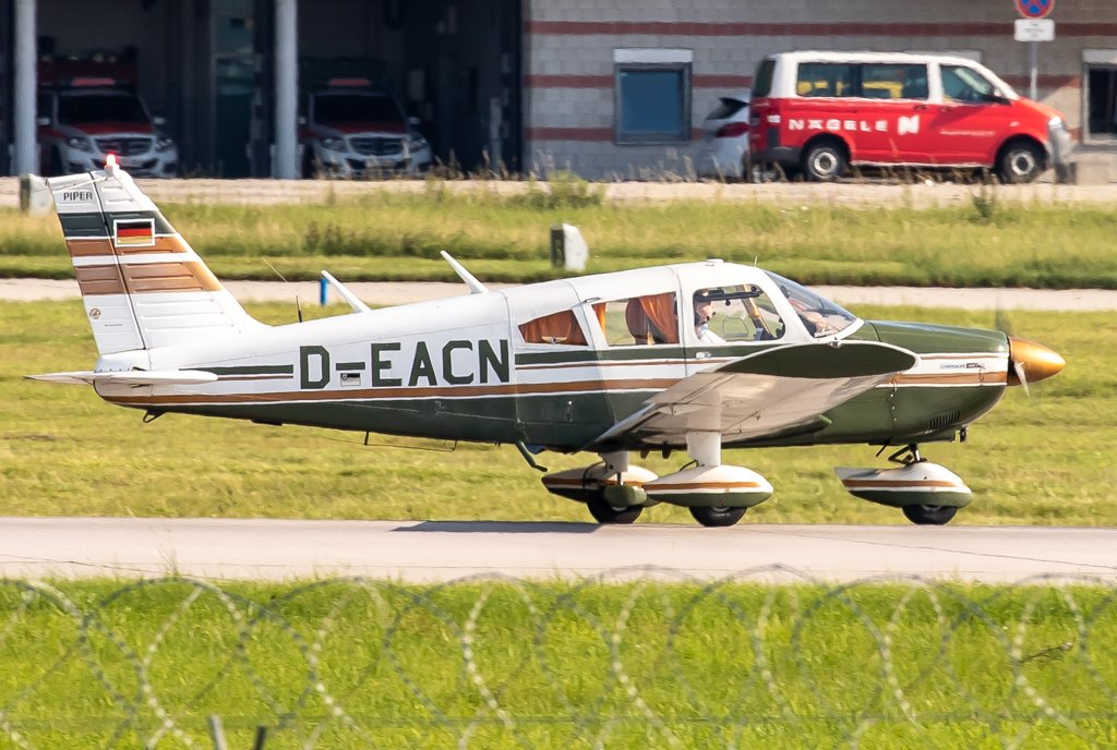 Privat / D-EACN / Piper PA-28-180 Cherokee F