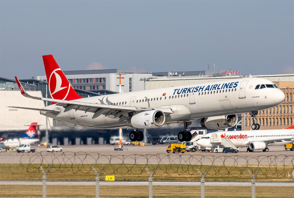 Turkish Airlines / TC-JSE / Airbus A321-231(WL)