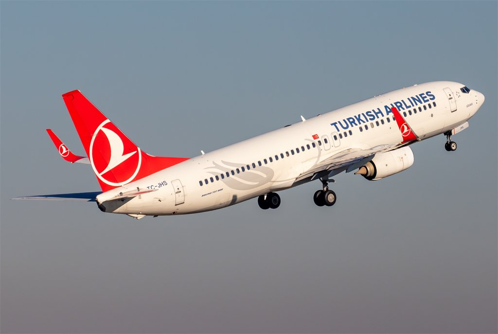 Turkish Airlines / TC-JHS / Boeing 737-8F2