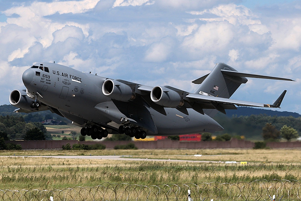 06-6159  Boeing C-17A Globemaster III  US Air Force (USAF) (2).JPG