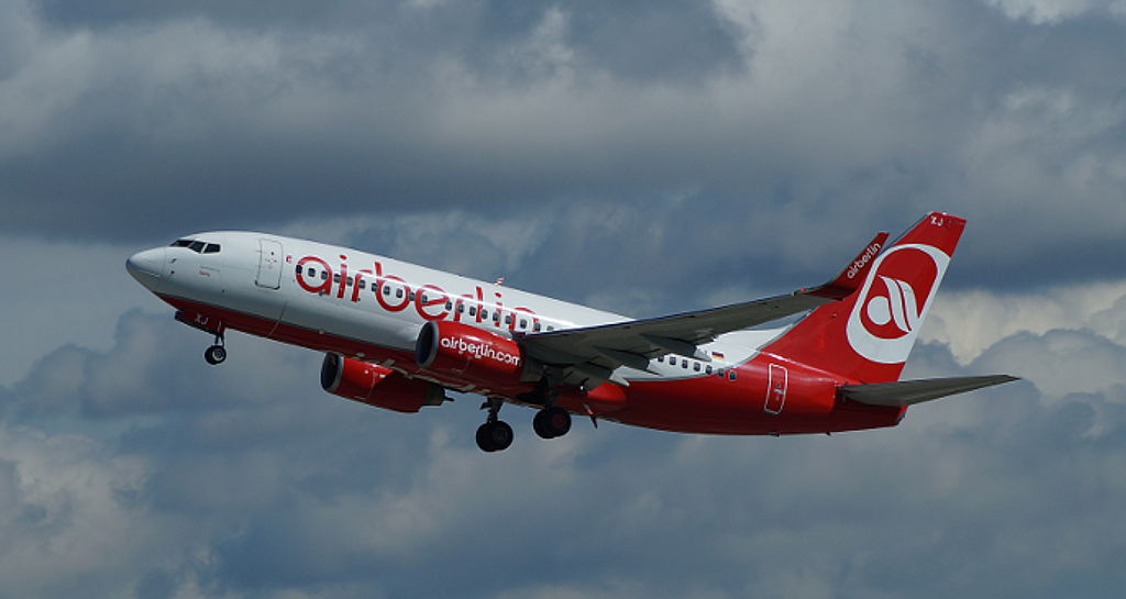 Air Berlin B737-7K5 (WL) D-AHXJ.JPG